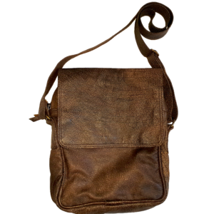 Men's leather carry bag with flap (Deep brown)