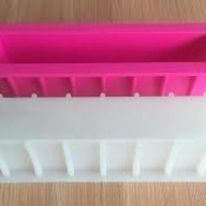Tall SkinnySilicone Loaf Mould